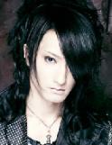 Bass: Ryo (遼) (Rentrer En Soi)