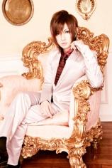 Guitar: Kyan Yutaka (喜矢武 豊) (Golden Bomber)